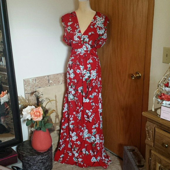 49843bb072 NWT Modcloth Feeling Serene Red Blossom Maxi L